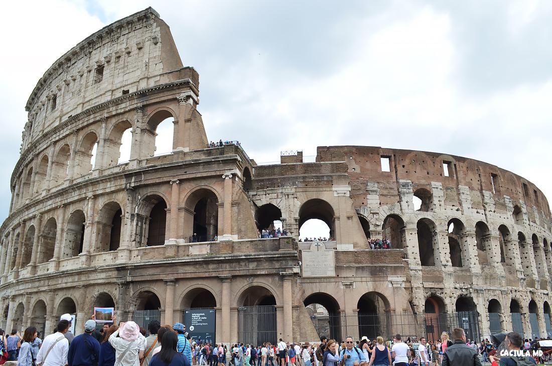 1Coliseum_Roma_caciula