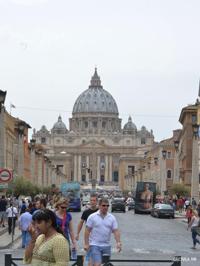 56_vatican_caciula_md