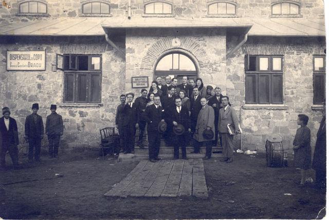 Casa Natională (ДК)-Так выглядело здание в 30-ых годах прошлого века. фото: nisporeni1618.wordpress.com (Sorina Cebanovschi-Gâlcă)