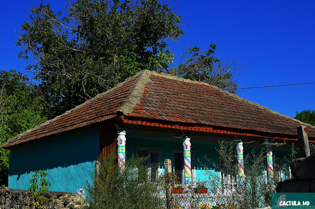 старые дома в Требуженах