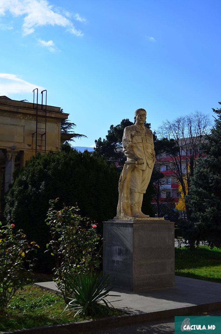 памятник Сталину возле музея в городе ГОри, Грузия 2016