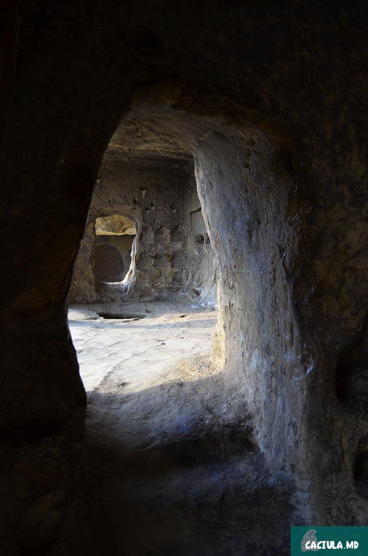 пещеры древнего города богов в Грузии