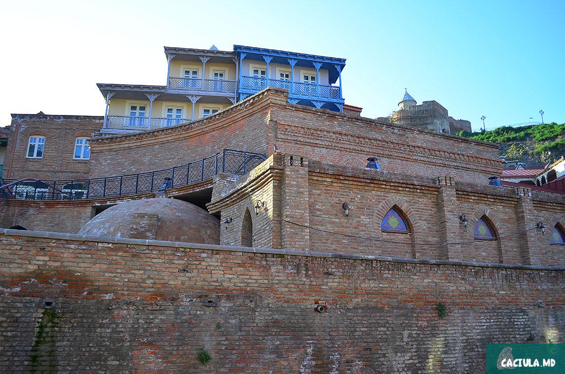 серные Бани, район Нарикала и старый Тбилиси