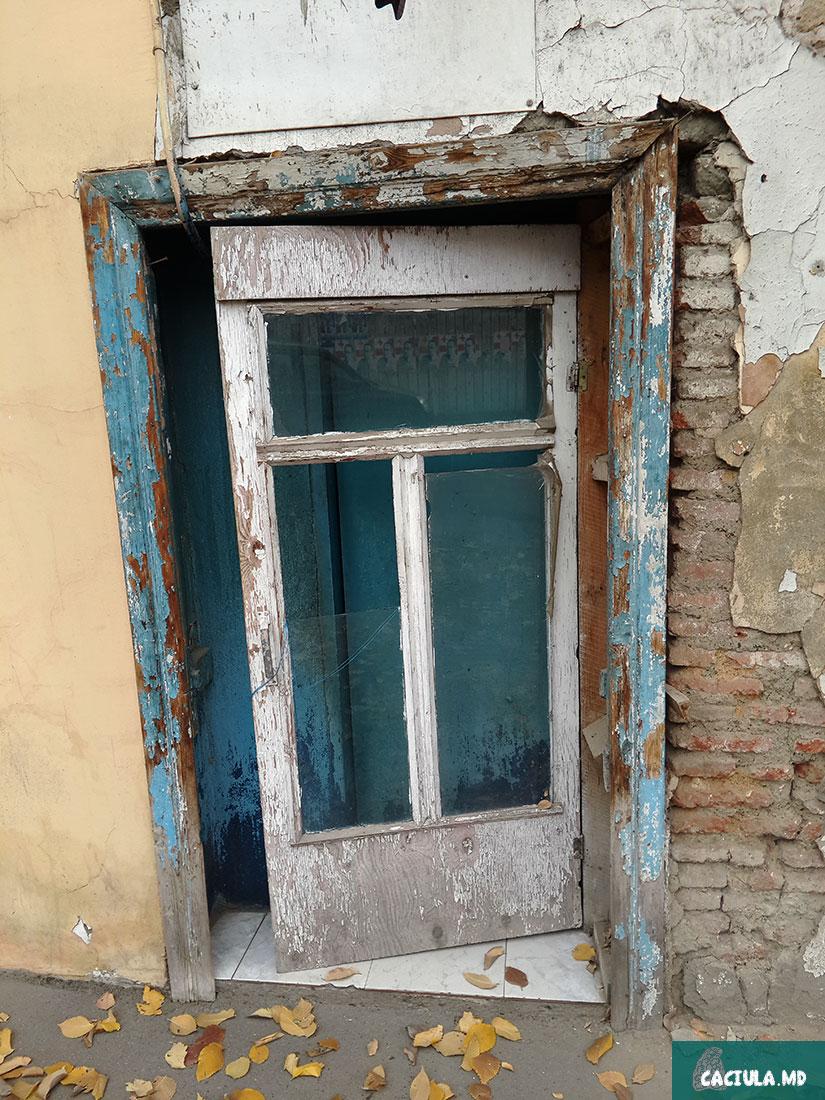 старые двери Тбилиси, фото 2016